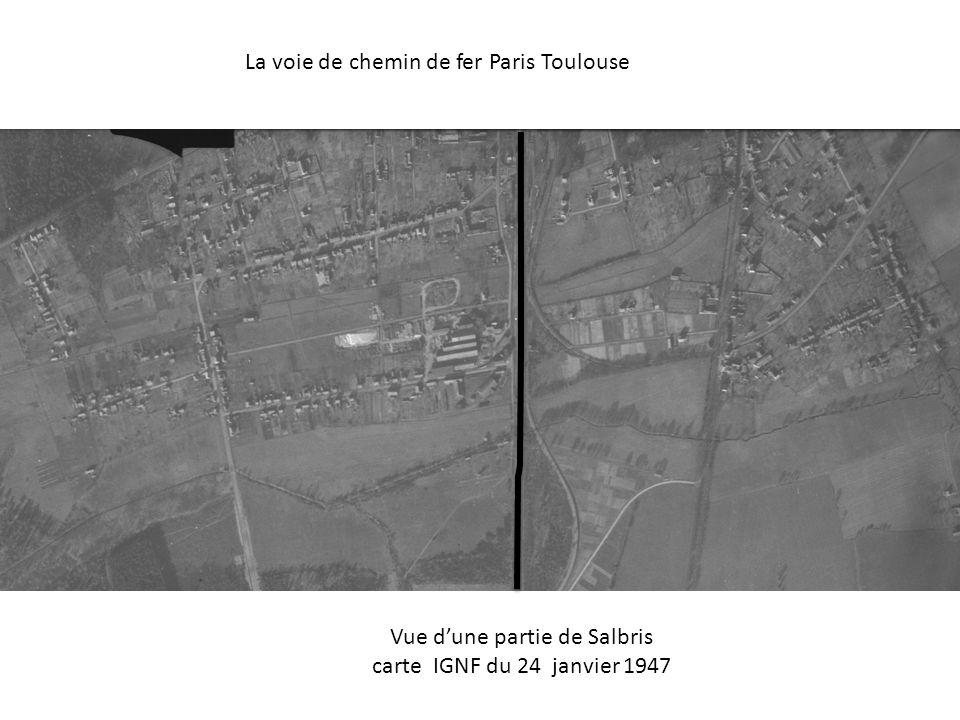 La voie de chemin de fer Paris Toulouse Vue dune partie de Salbris carte IGNF du 24 janvier 1947