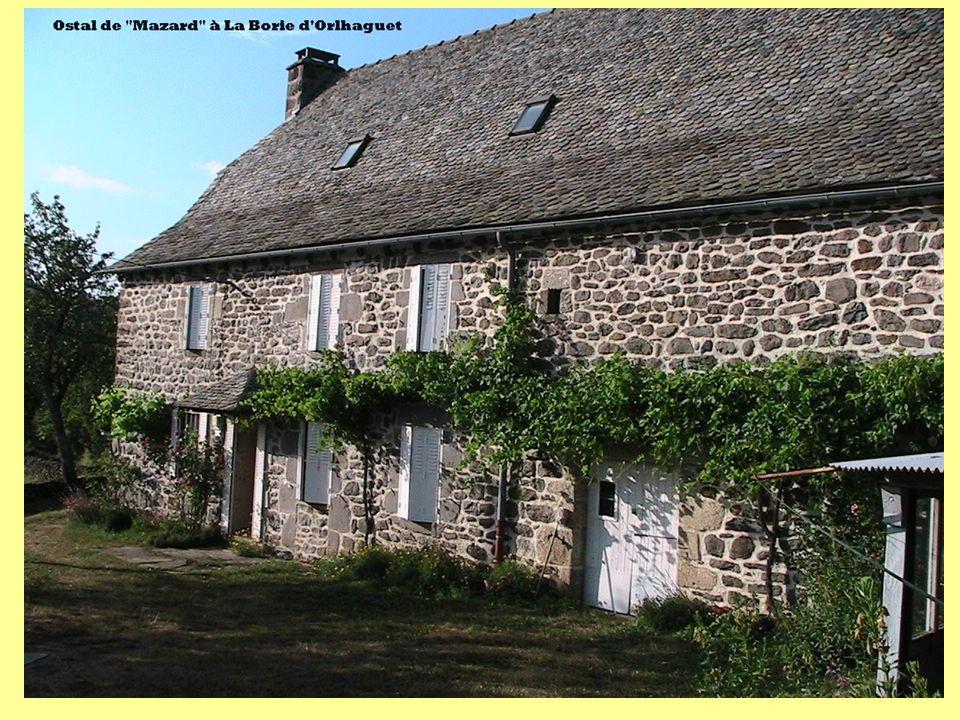 Origines (9) 12.escaïs non élucidés : Catouo (Maison CARBONNEL à Cissac de Cantoin) Moriou (chez VAYSSIER à Cissac de Cantoin) Ziniou (chez VALADIER à Niergourg) Plone (chez COHEN à Rouchaudy) Peneque (chez GIRBAL à Lacalm) Lo Tic (chez GIRBAL à Lacalm) Boer (chez AMPOULIER à La Borie de Graissac : Les anciens ne savent plus !) Lamistat (chez VENZAC à Lacalm) Cotolo (chez Baptiste SALTEL à Lacalm)