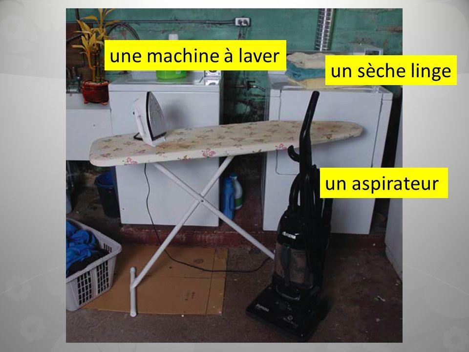 un sèche linge un aspirateur une machine à laver