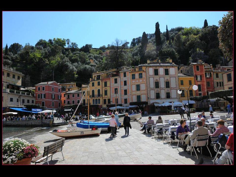 aux 3 piazzetta les plus chères dItalie, lon peut sans aucun doute ajouter la grande place Saint Marc de Venise