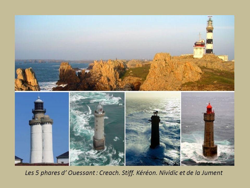 ILE D OUESSANT A 20km des cotes Ouest du Finistère. Appelée Ile du bout du Monde barrée d écueils et battue par les courants.