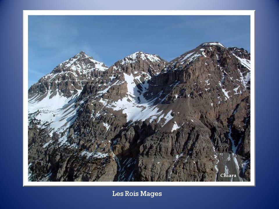 A 1765 m daltitude, le refuge des Trois Rois Mages appartient à la famille Nervo. Il tire son nom de la chaîne des monts qui domine la vallée au sud.