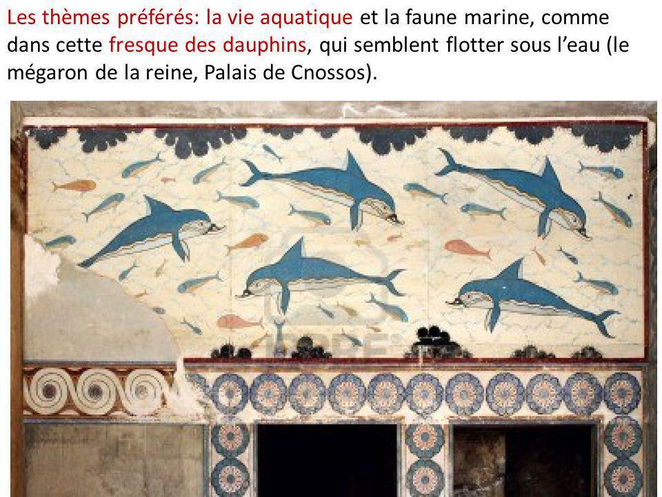 Les thèmes préférés: la vie aquatique et la faune marine, comme dans cette fresque des dauphins, qui semblent flotter sous leau (le mégaron de la rein