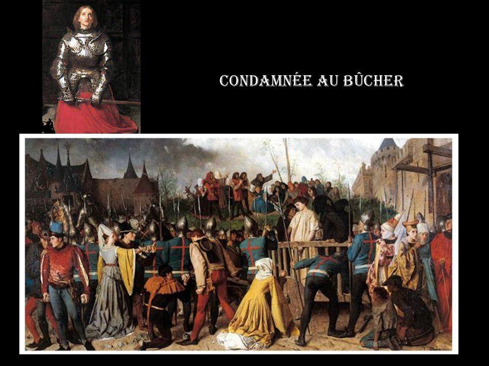 Jeanne mitrée prête à monter sur le bûcher Le 29 mai, Pierre Cauchon, la déclare relapse et hérétique, elle est condamnée Elle abjure le 24 mai 1431 au cimetière de Saint Ouen.