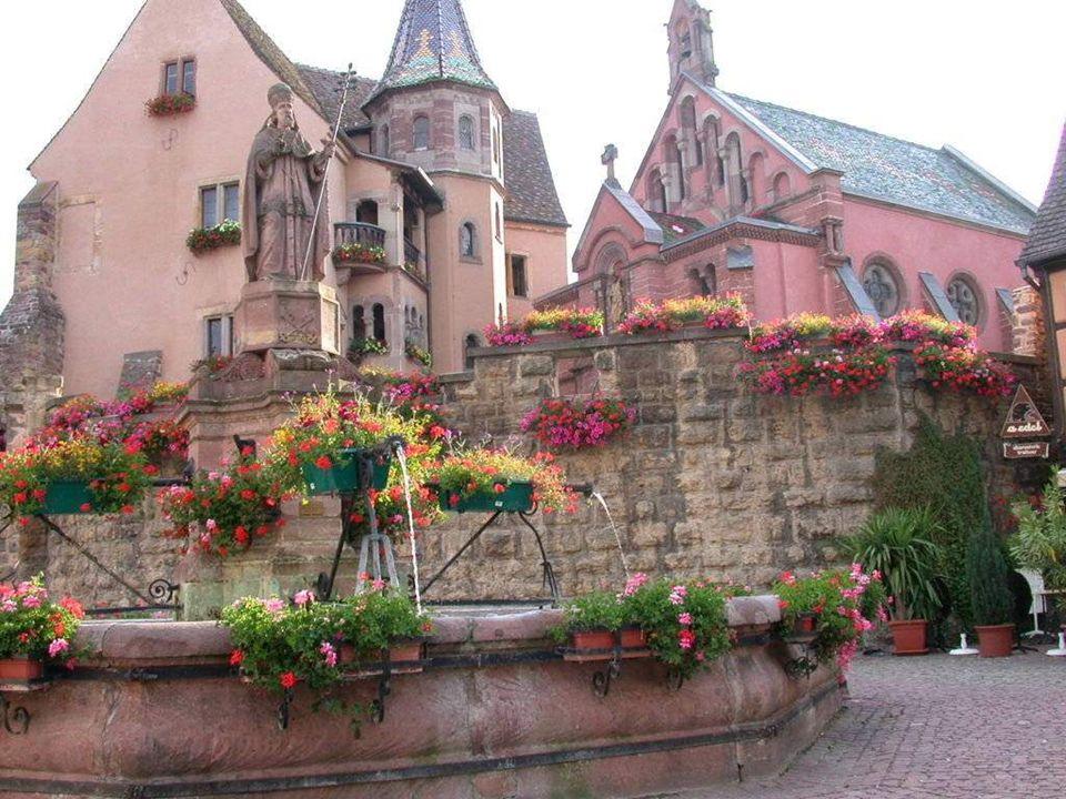 EGUISHEIM Pendant l'époque romaine, à Eguisheim la culture de la vigne s'est développée d'une manière pionnière dès le IVe siècle en Alsace. Le petit
