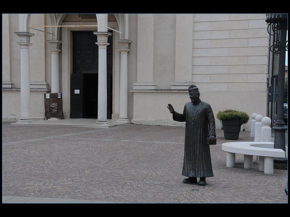 Les personnages de Peppone et don Camillo furent interprétés au cinéma par Gino Cervi et Fernandel