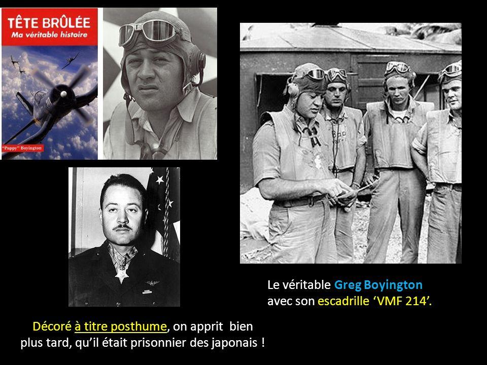 Le véritable Greg Boyington avec son escadrille VMF 214.