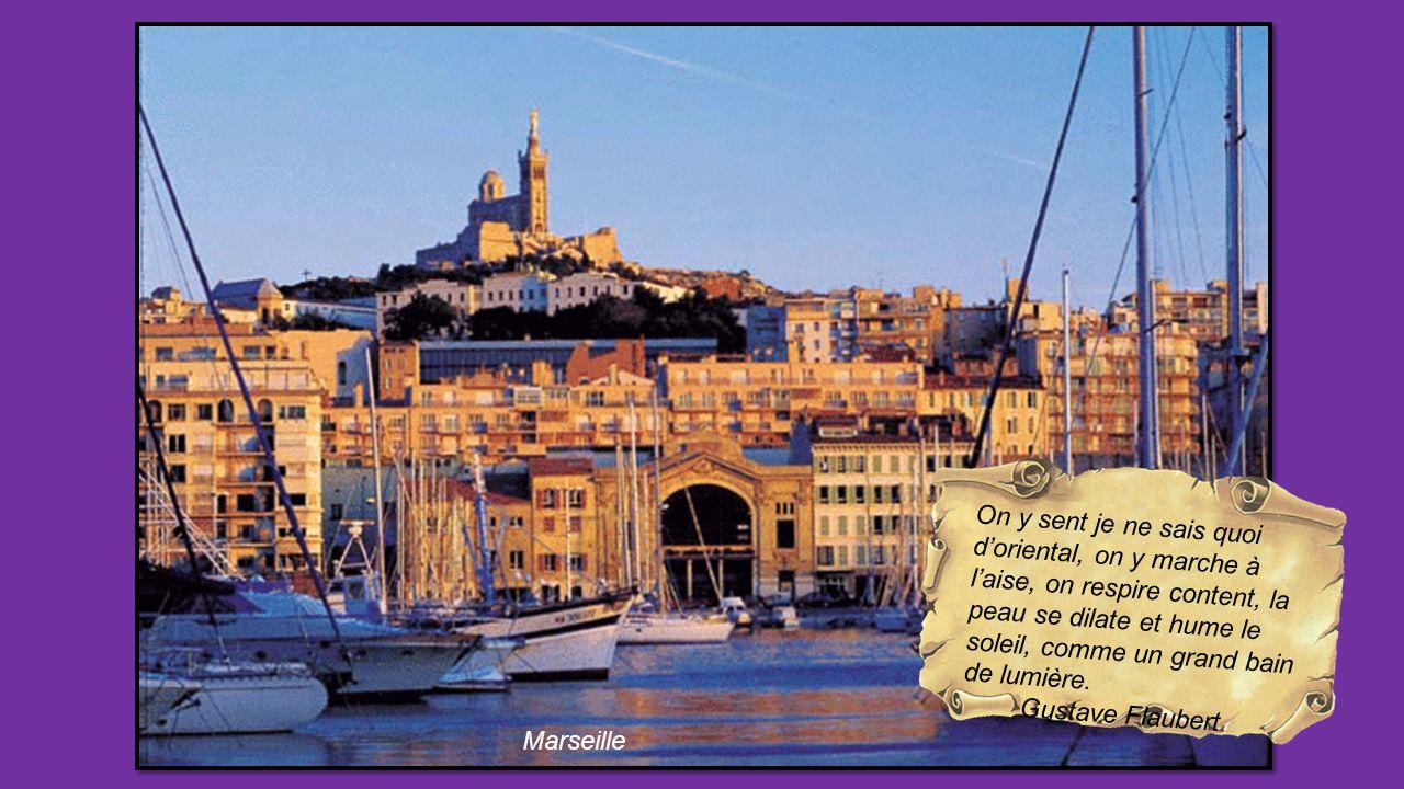Il lui rappela joyeusement, quand les rougets grillés parurent, un déjeuner quils avaient fait à Marseille, la seul ville où lon mange.. Emile Zola