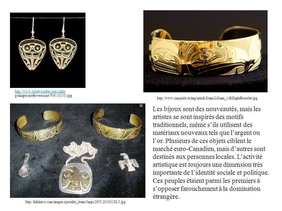 http://kilshaws.com/images/specialty_items/large/2655-20100128-5.jpg Les bijoux sont des nouveautés, mais les artistes se sont inspirés des motifs tra
