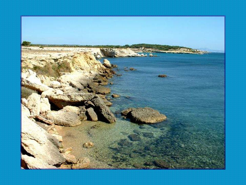 La brèche formée de blocs de calcaire du jurassique et du crétacé, cimentée naturellement par du carbonate de calcium, a provoqué la création de carrières exploitées par Marseille dès lantiquité pour construire ses principaux monuments.