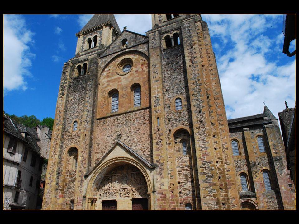 Monastère Saint-Sauveur fondé par labbé Dadon