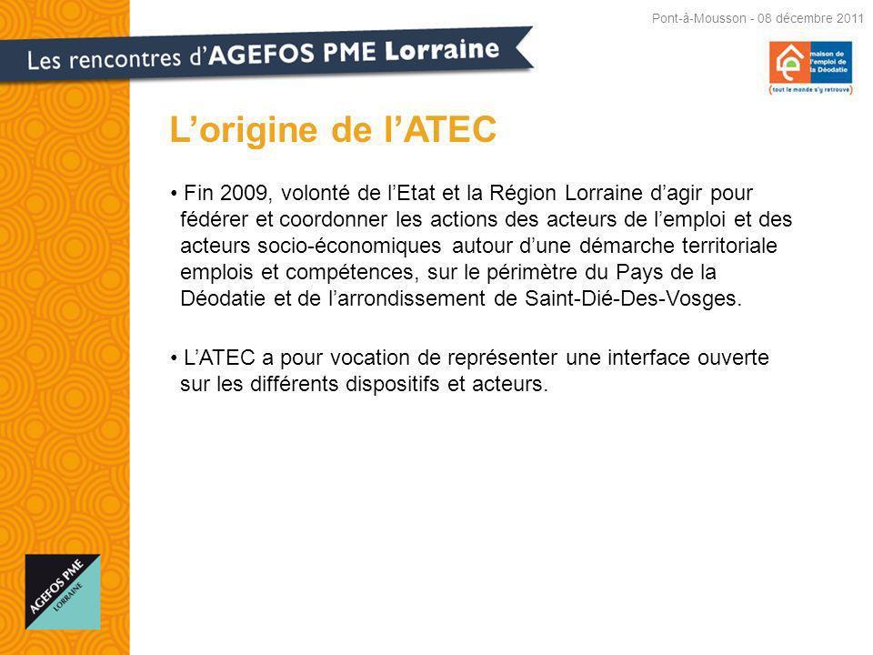 Fin 2009, volonté de lEtat et la Région Lorraine dagir pour fédérer et coordonner les actions des acteurs de lemploi et des acteurs socio-économiques autour dune démarche territoriale emplois et compétences, sur le périmètre du Pays de la Déodatie et de larrondissement de Saint-Dié-Des-Vosges.