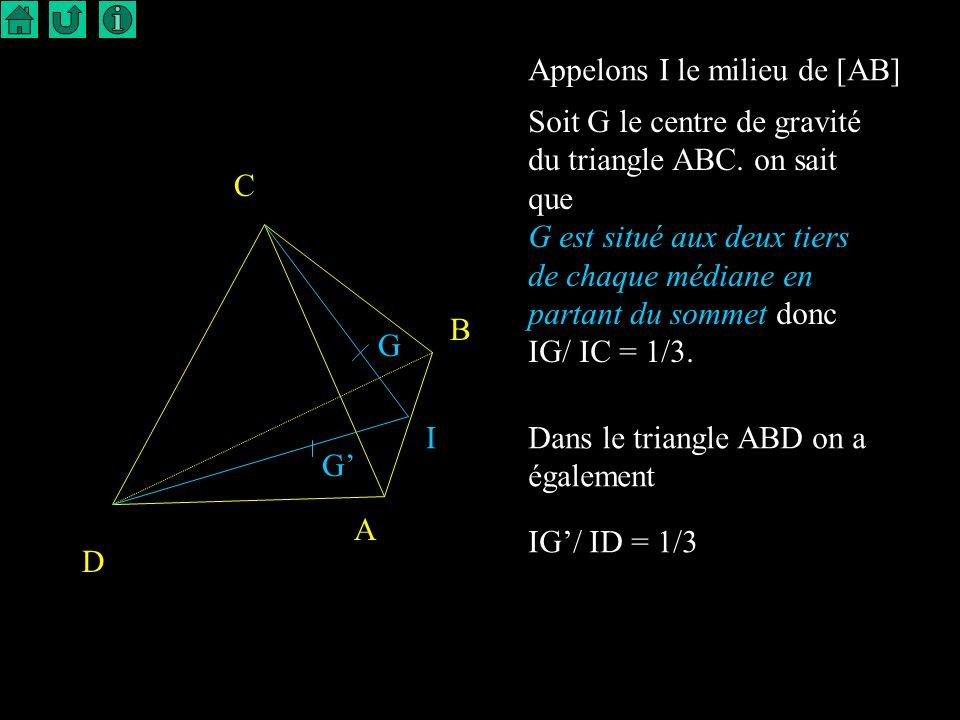 4 Médianes I U A A U I Les médianes du triangle joignent le milieu d un côté au sommet opposé. Elles sont concourantes au centre de gravité du triangl
