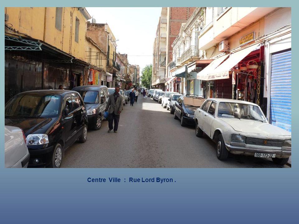 Centre Ville : Marché Couvert – Rue Montagnac et Lord Byron.