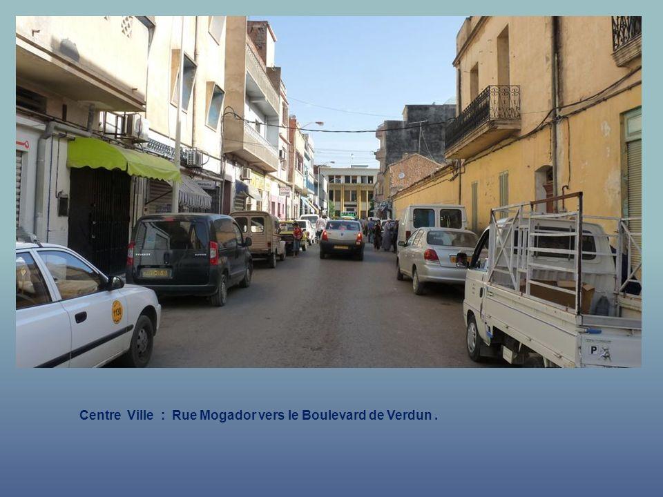 Centre Ville : Rue Chabrière vers Mosquée.