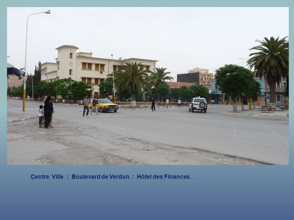 Centre Ville : Boulevard de Verdun : Hôtel des Finances.
