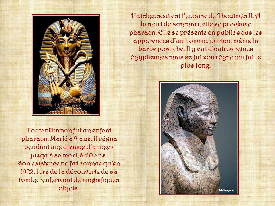Représentation de Ramsès II, sur son char, pendant la bataille de Qadesh quil mena contre les Hittites.