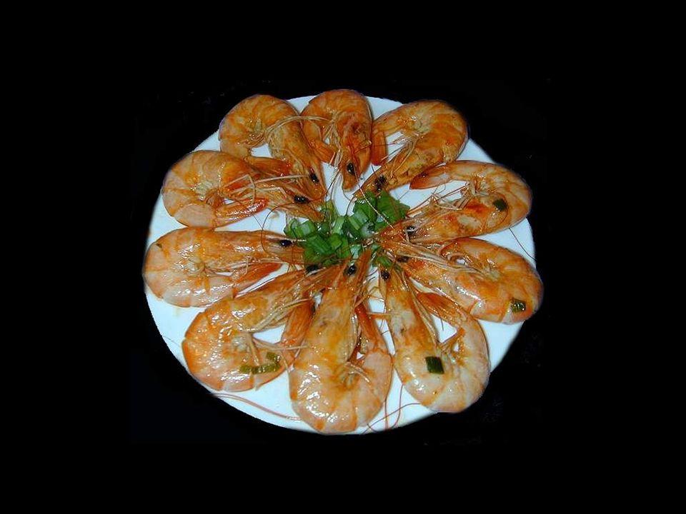 Il existe près de 160 espèces de crevettes, réparties en 9 familles.