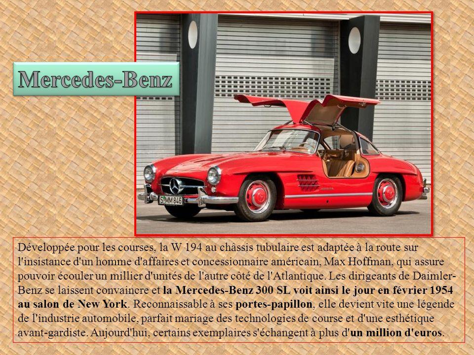 En 1955, un concessionnaire Renault de Dieppe, Jean Rédélé, décide de produire une petite sportive artisanale.