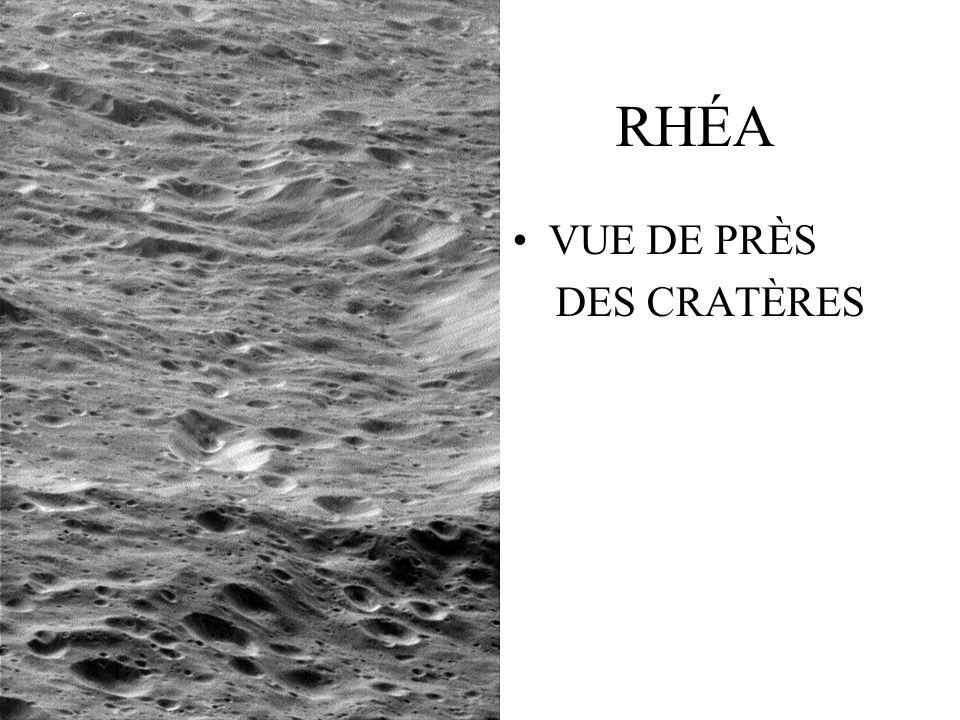 RHÉA VUE DE PRÈS DES CRATÈRES