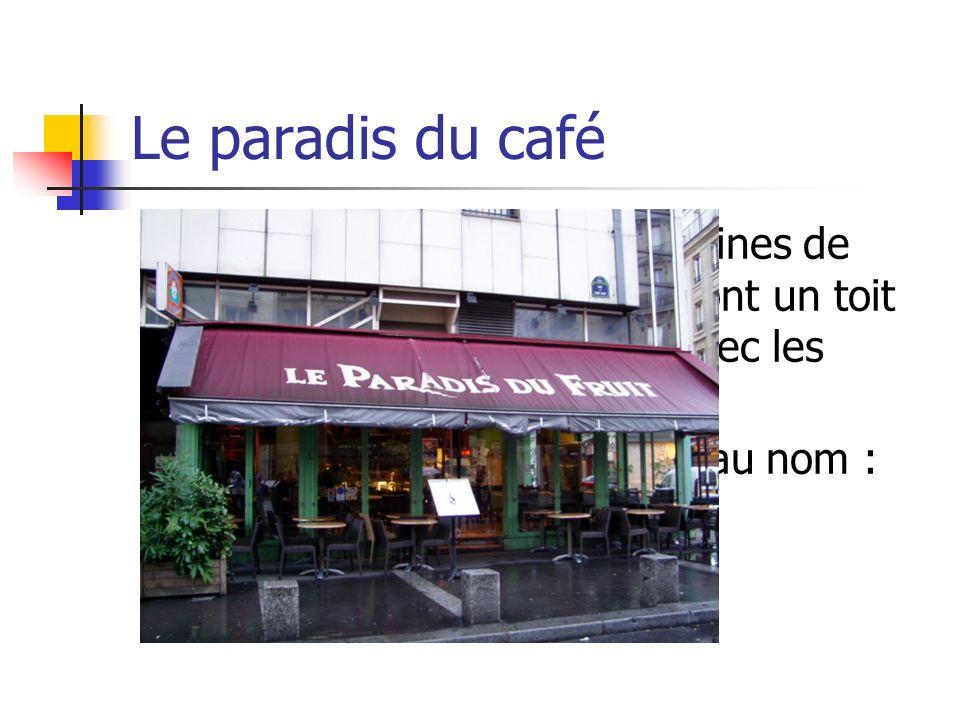 Le paradis du café Les rues parisiennes sont pleines de petits cafés au coin. Tous ont un toit rouge et il y a des chaises avec les tables sur le trot