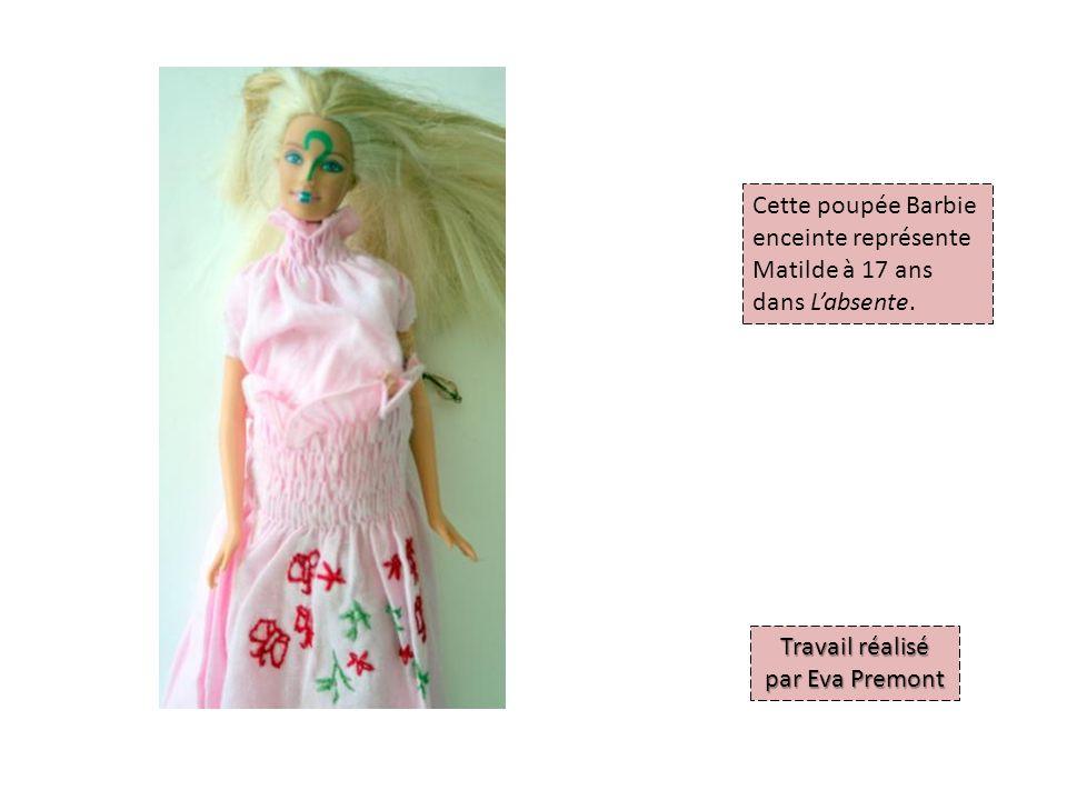Cette poupée Barbie enceinte représente Matilde à 17 ans dans Labsente.