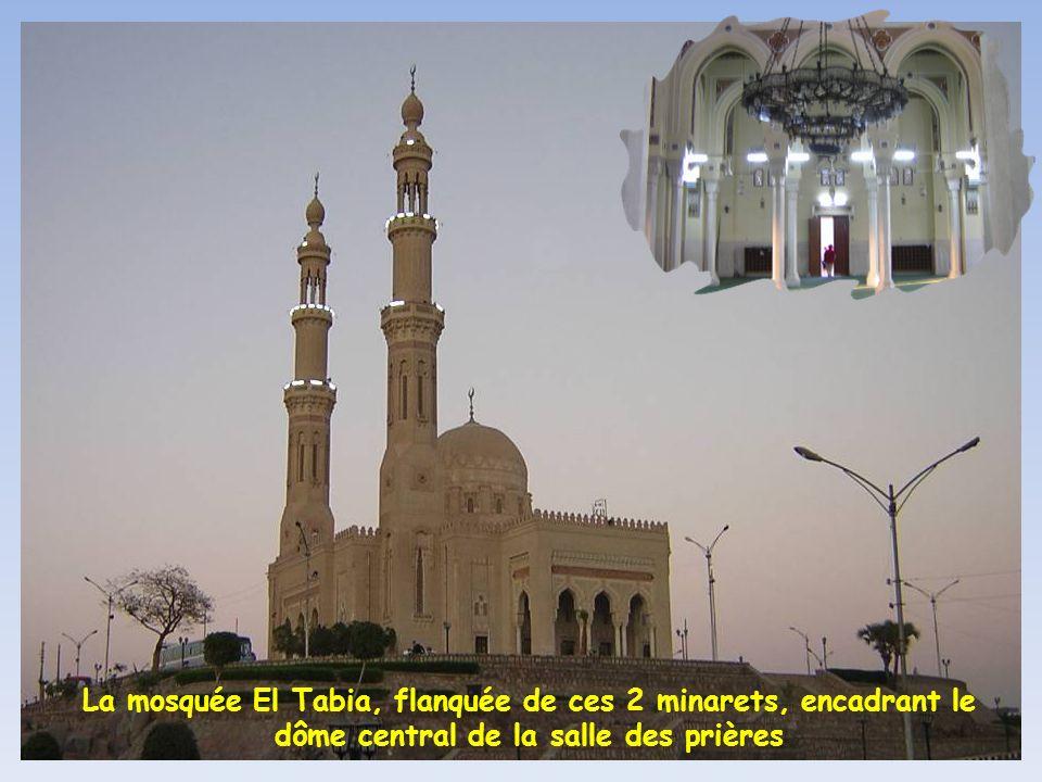 Et fouette cocher, direction la grande mosquée dAssouan
