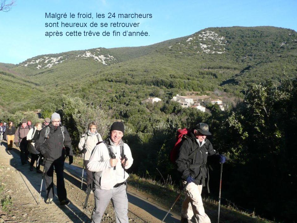 Nous démarrons notre randonnée du petit village dAigues Vives