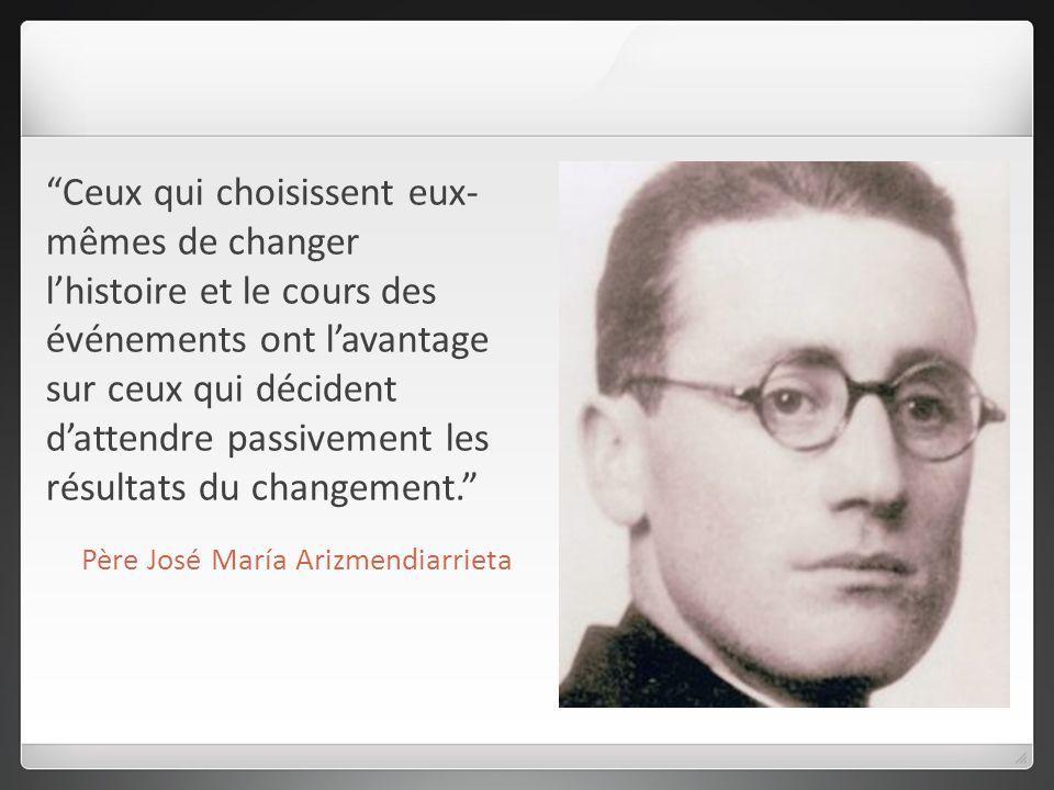 Ceux qui choisissent eux- mêmes de changer lhistoire et le cours des événements ont lavantage sur ceux qui décident dattendre passivement les résultats du changement.