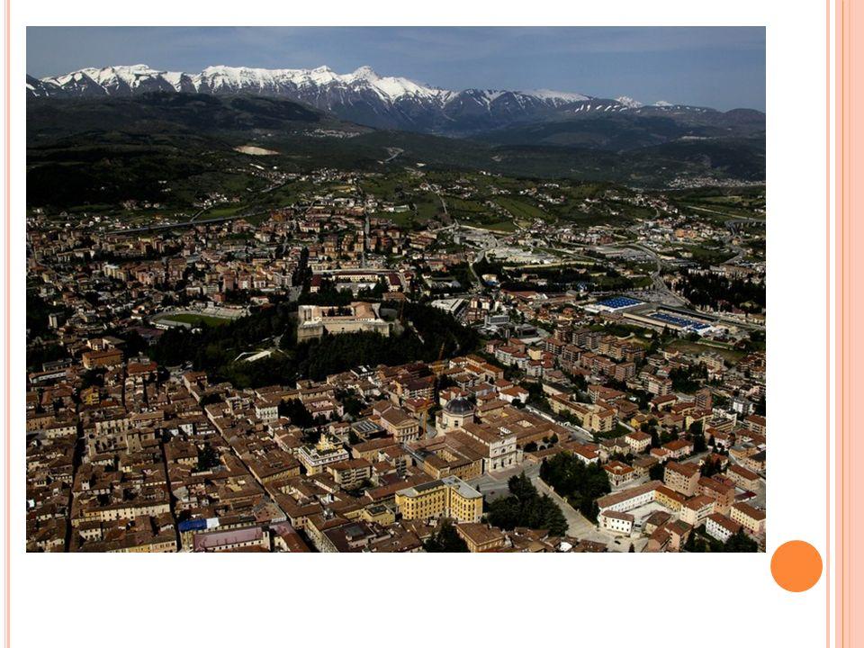 H ISTOIRE Amiternum : ville romaine qui disparait avant le X siècle.