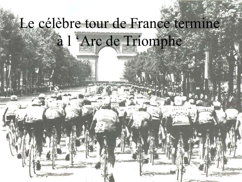 Le célèbre tour de France termine à l Arc de Triomphe