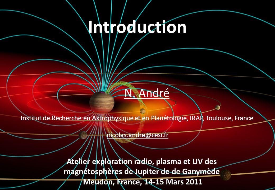 Magnétosphères en rotation rapide Plasma pickup V inj = V corotation - V moon V moon 10 km/s V corotation 35 km/s 2) Centrifugation du plasma & étirement des lignes de champ création dun disque mince magnétisé demi-échelle de hauteur (1-2 Rj) 1) Une fois créé, le plasma est piégé par le champ magnétique et entraîné en rotation 3) Dune création locale au voisinage de ses sources à la redistribution globale observée (transport)