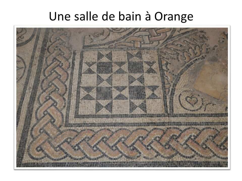 Une salle de bain à Orange