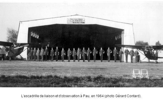 L'escadrille de liaison et d'observation à Pau, en 1964 (photo Gérard Contard).
