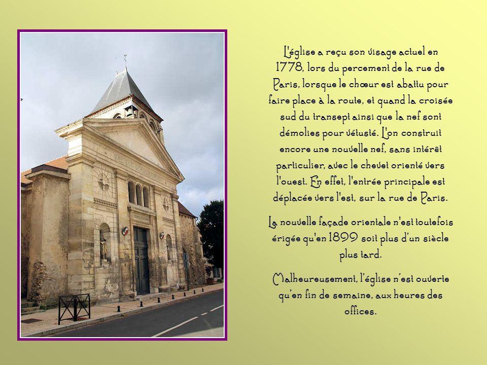 Auparavant logé dans une demeure près de l'église, le presbytère est installé dans ces bâtiments après la Première Guerre mondiale.