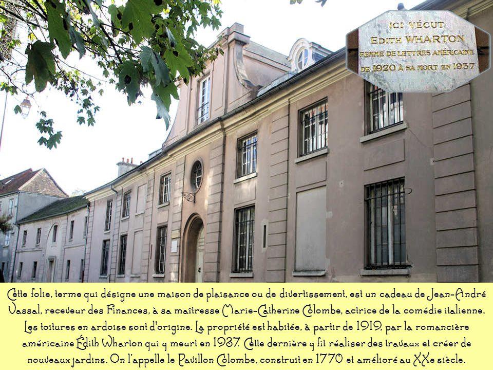 LOrangerie (XIXe) A l'origine, ce bâtiment était une dépendance de la propriété des sœurs de l'hôpital Saint-Joseph. Par la suite, il échoira à la com