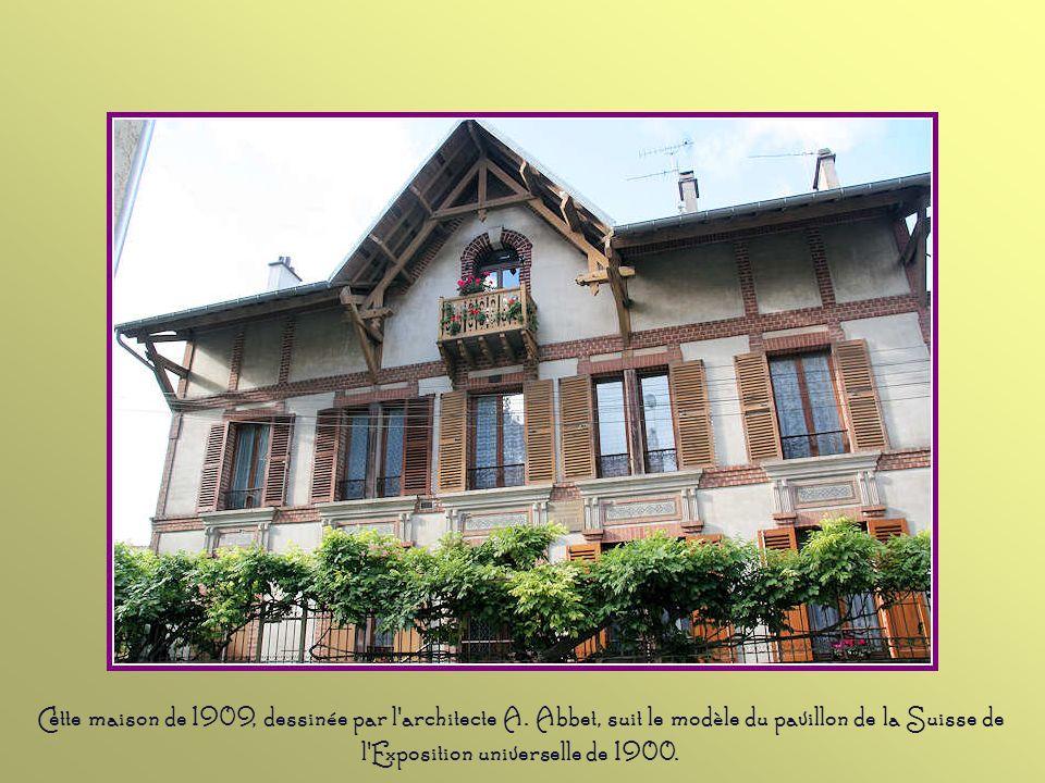 Cette balustrade de 1670 appartenait au parc du château de Saint-Brice, maintenant disparu. A cette époque, le domaine des seigneurs de Saint-Brice di