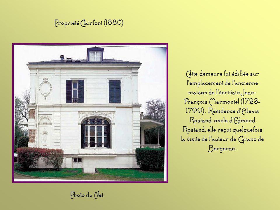 Cette demeure fut édifiée sur l emplacement de l ancienne maison de l écrivain Jean- François Marmontel (1723- 1799).