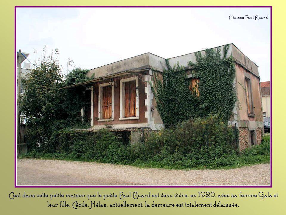 Cette demeure fut édifiée sur l'emplacement de l'ancienne maison de l'écrivain Jean- François Marmontel (1723- 1799). Résidence d'Alexis Rostand, oncl
