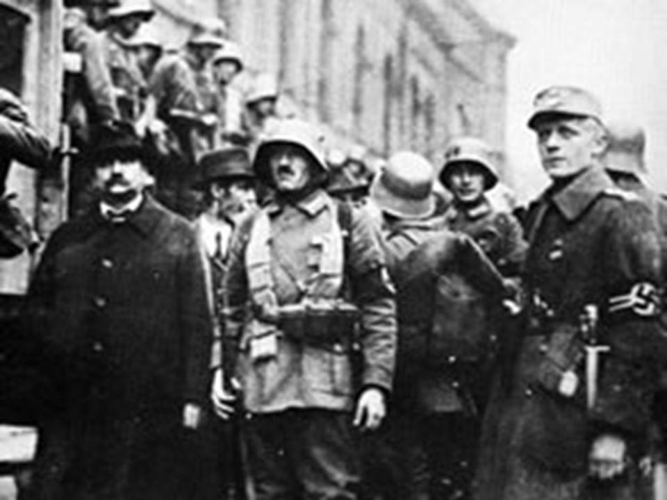 Woohoo! Hitler reçoit la poste comme chef du parti!!! Le parti grandit à environ 25,000 membres! (en 1923) Hitler lance un coup d`état qui est une fai