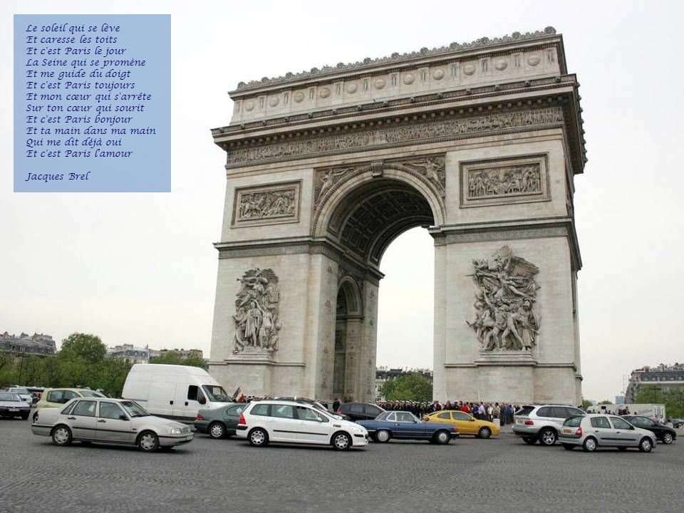 Il est 5 heure, Paris séveille Je suis l dauphin d la place Dauphine Et la place Blanche a mauvaise mine Les camions sont pleins de lait Les balayeurs sont pleins d balais Il est cinq heures Paris s éveille Chanté par Jacques Dutronc