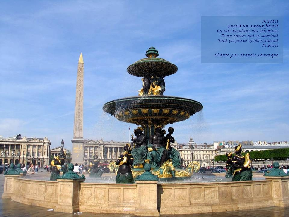 A Paris Quand un amour fleurit Ça fait pendant des semaines Deux cœurs qui se sourient Tout ça parce qu ils s aiment A Paris Chanté par Francis Lemarque