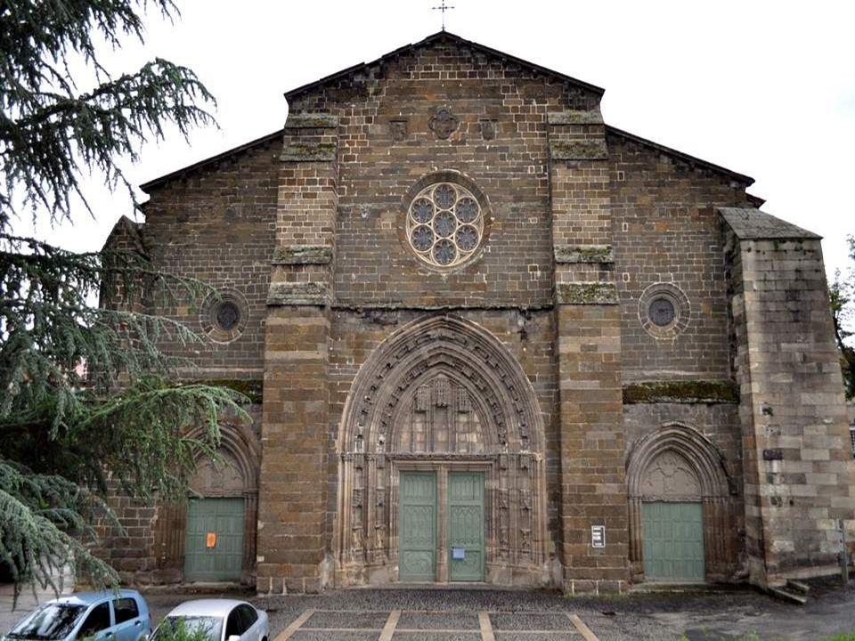 Eglise et couvent Saint Laurent : C'est une église gothique du 14ème siècle, réaménagée au 19ème siècle par la volonté passionnée de Pierre Eynac, cur