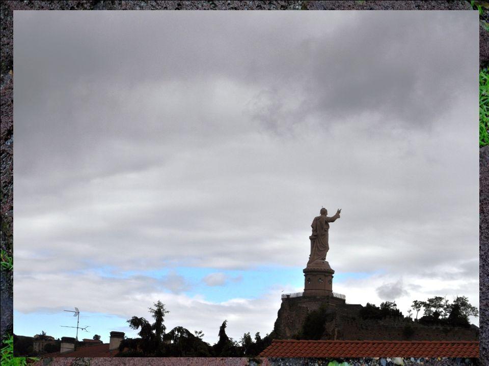 - Le Sanctuaire Saint Joseph-de-Bon-Espoir : Lui aussi est sur une commune limitrophe, Espaly-Saint- Marcel. - La Basilique, achevée en 1918, occupe l