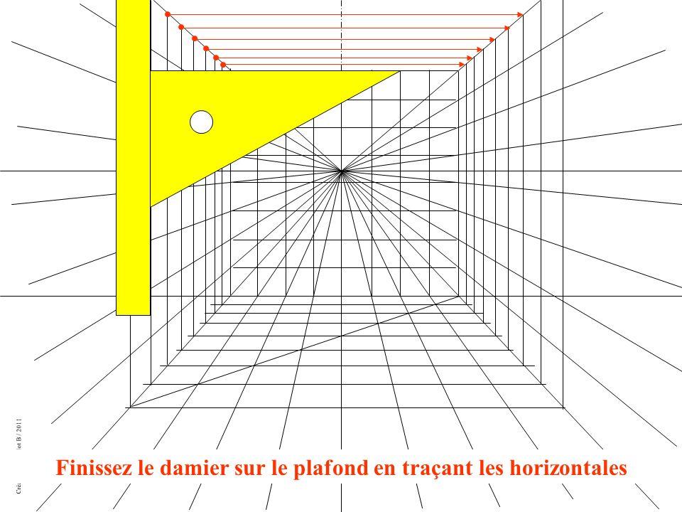 Finissez le damier sur le plafond en traçant les horizontales