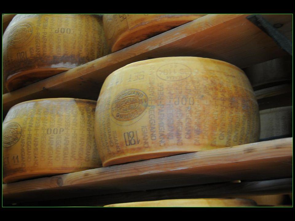 Les Scalabrini affinent leurs fromages 2 ans au minimum, 36 mois en moyenne, et jusquà 65 mois
