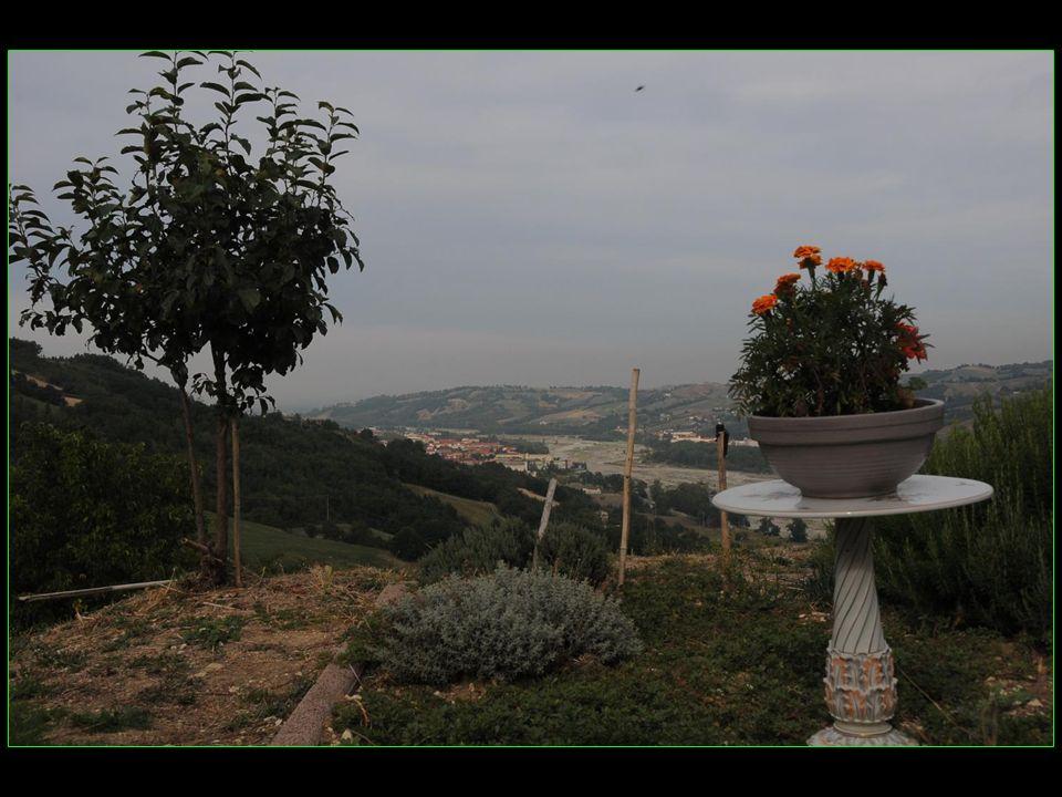 La Perla Salumificio est située dans le Quinzano, à quelques kilomètres de Langhirano parmi les vertes collines de LApennin de Parme
