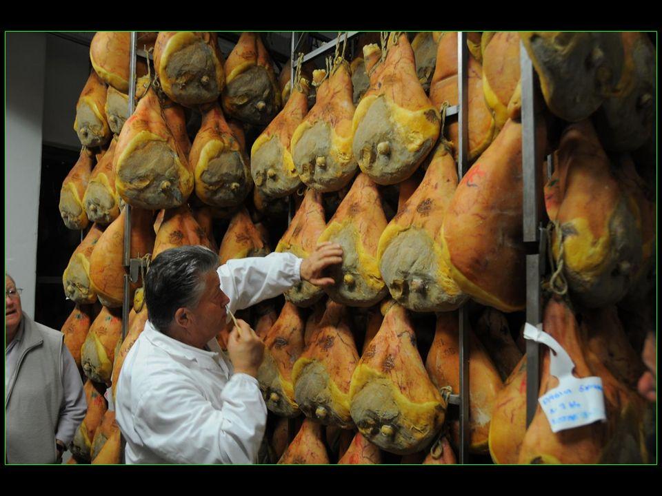 Depuis plus de 20 ans, la famille Lanfranchi, ( Carlo et Fabrizio ) soccupe de la production de la célèbre Prosciutto di Parma