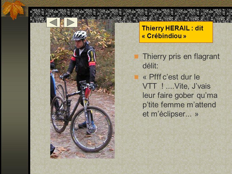 Petite pause mécanique, Le Pédalator et Mary en profitent pour mitrailler un peu Les Bikets... Jean Marc LEMAIRE Alias « Pédalator »