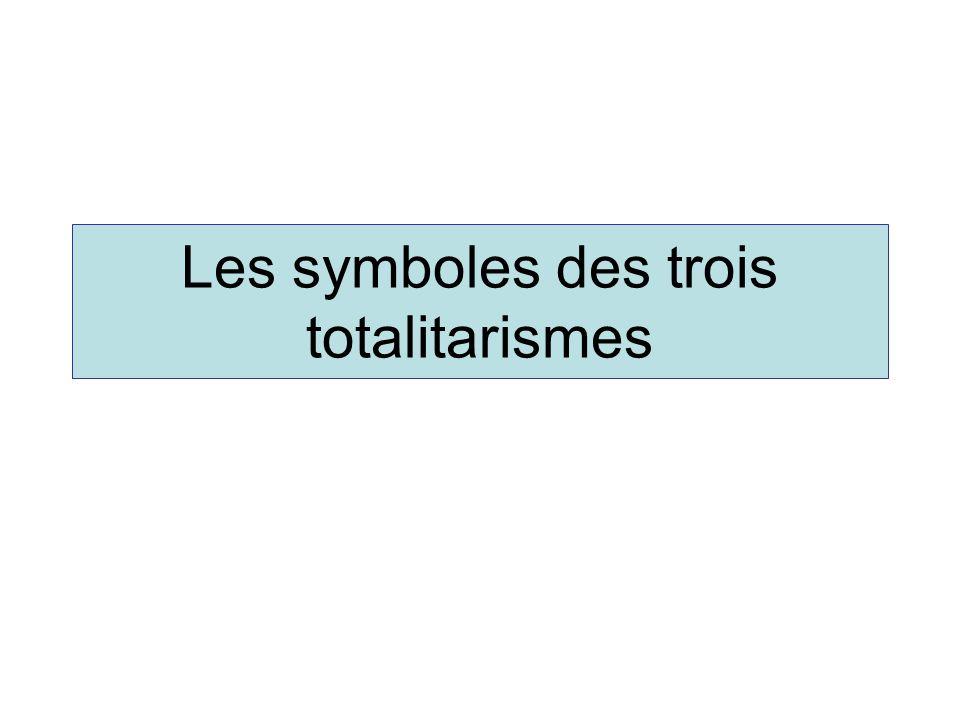 Le symbole fasciste, le faisceau de licteur A la fin du XIX ème siècle, le mot « faisceau » désigne une union politique à caractère spontané et révolutionnaire.